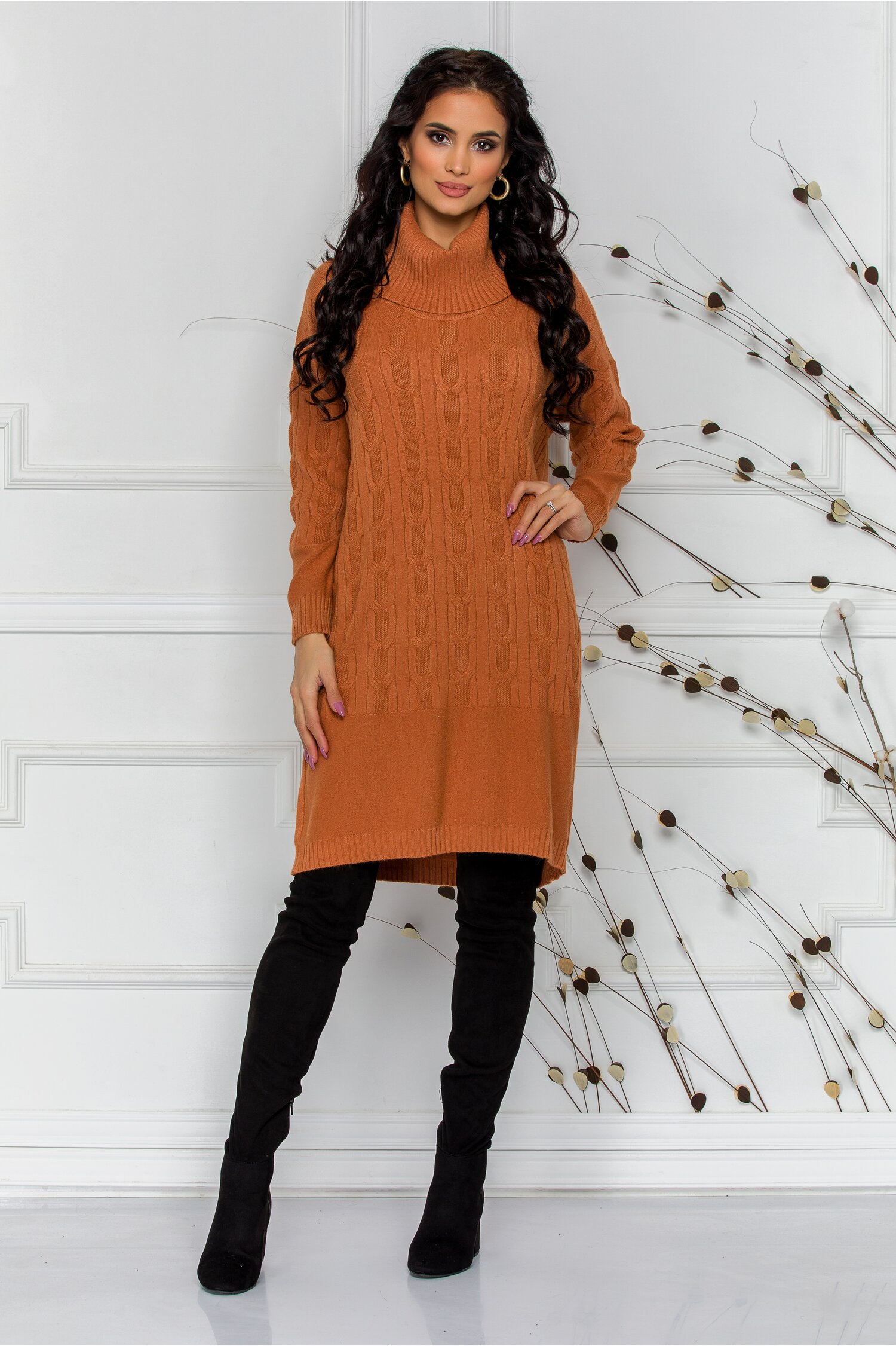 Rochie Melanie caramizie din tricot cu guler inalt