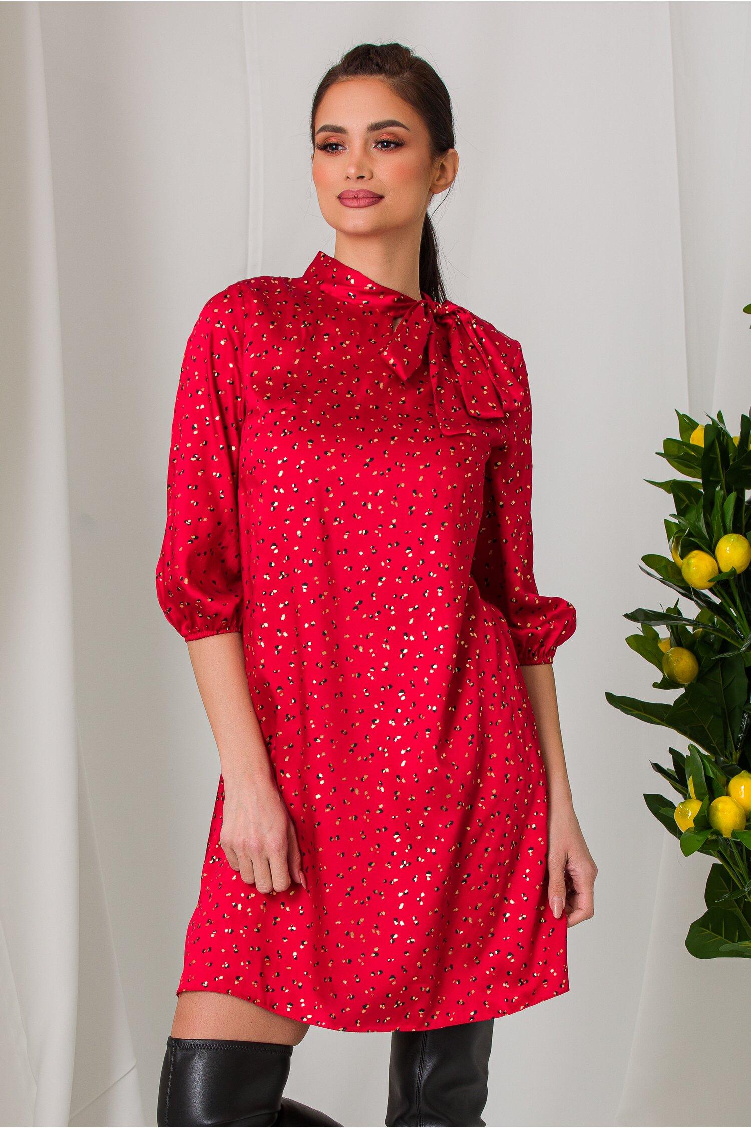 Rochie Mellina rosie cu imprimeuri aurii