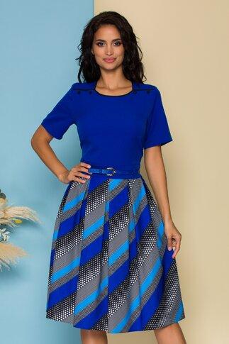 Rochie Mia albastra cu imprimeuri grafice si buline pe fusta