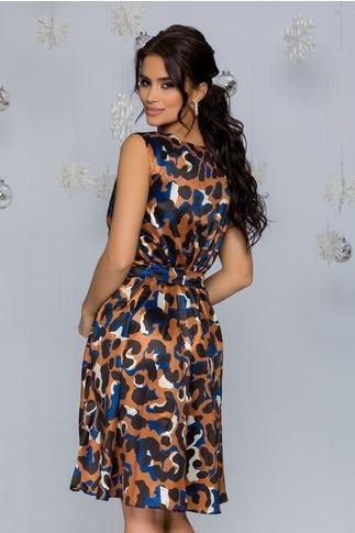 Rochie Mia maro cu imprimeu in nuante de negru, albastru si ivoire