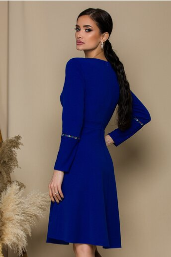 Rochie Moze albastra cu broderie discreta la bust si maneci