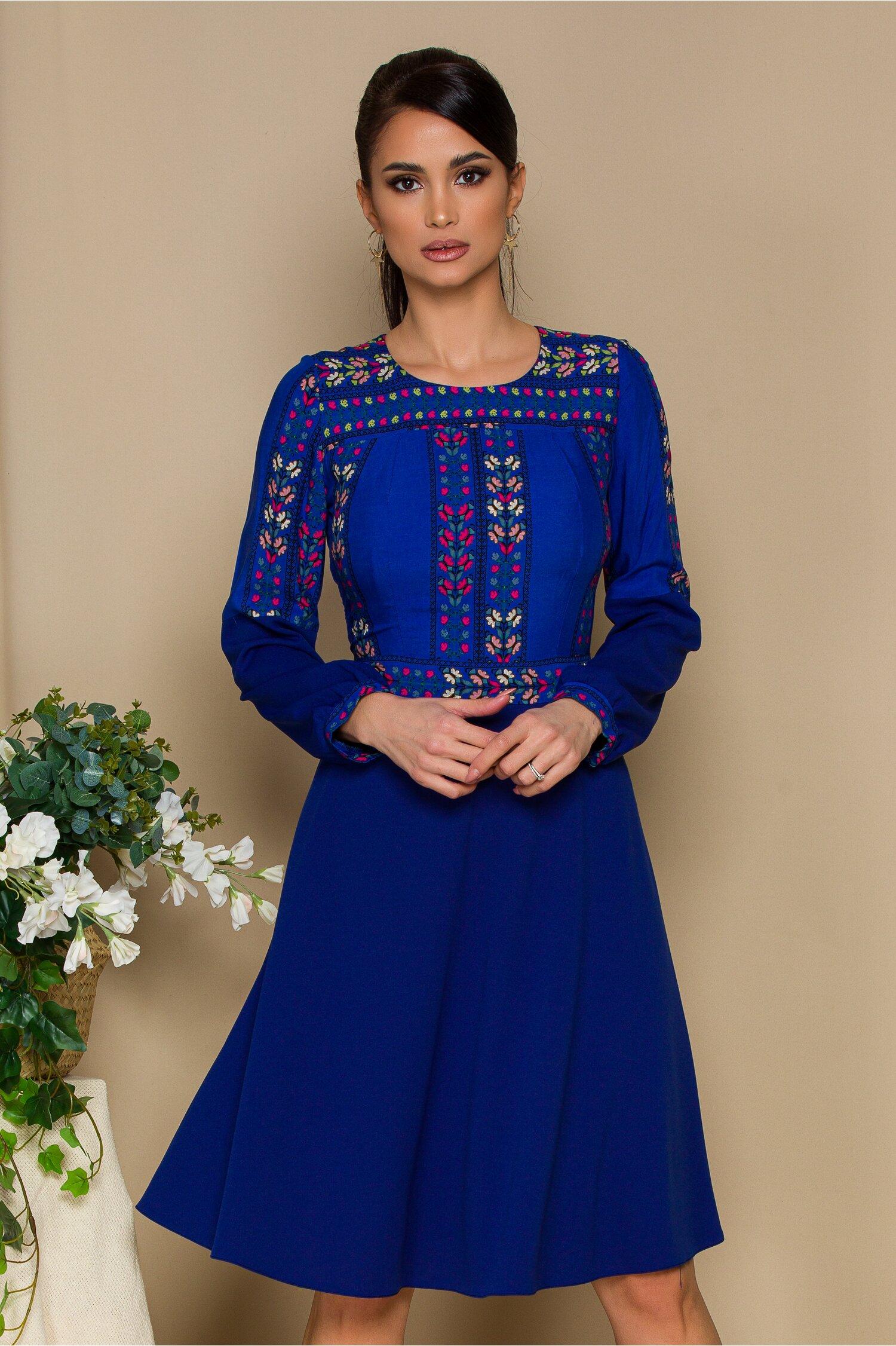 Rochie Moze albastra cu imprimeuri florale multicolore la bust si maneci