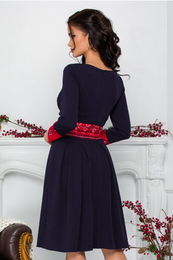 Rochie Moze bleumarin cu motive traditionale in nuante de rosu