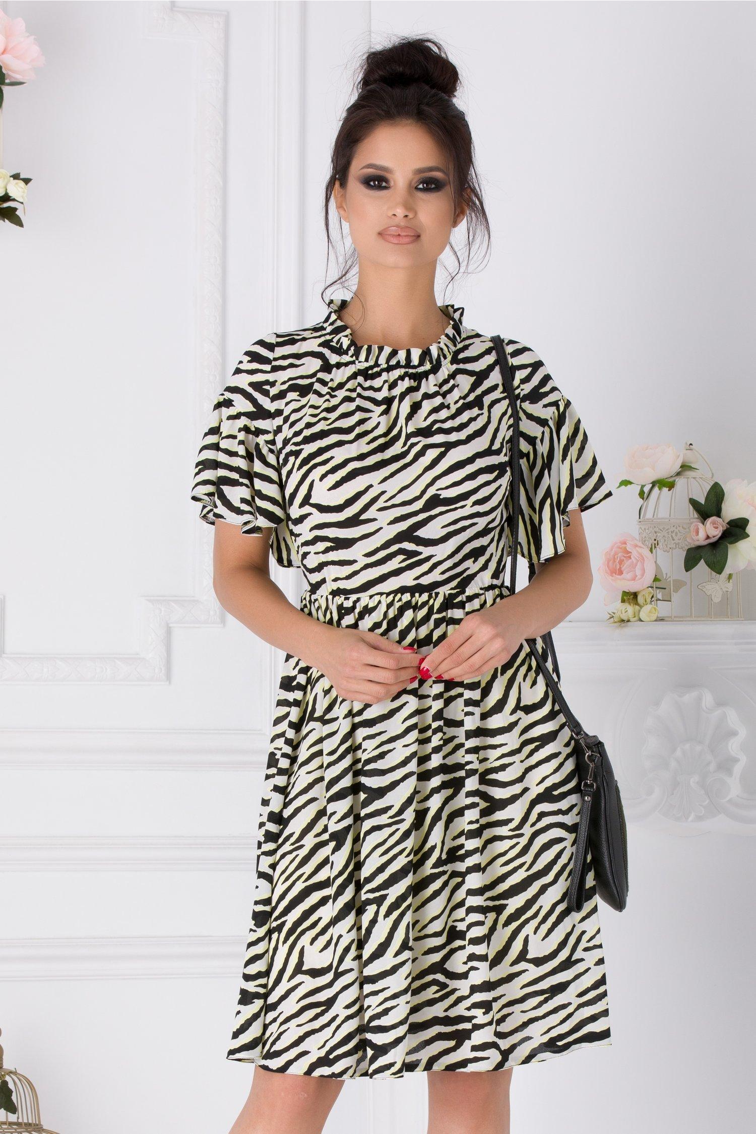 Rochie Moze ivoire evazata cu print zebra