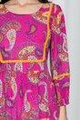 Rochie Moze magenta accesorizata cu ciucuri discreti si imprimeu