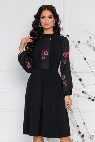 Rochie Moze neagra clos cu broderie florala in nuante de rosu