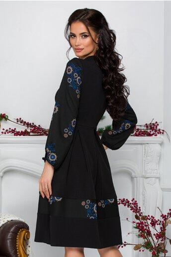 Rochie Moze neagra cu pliuri si broderie florala albastra