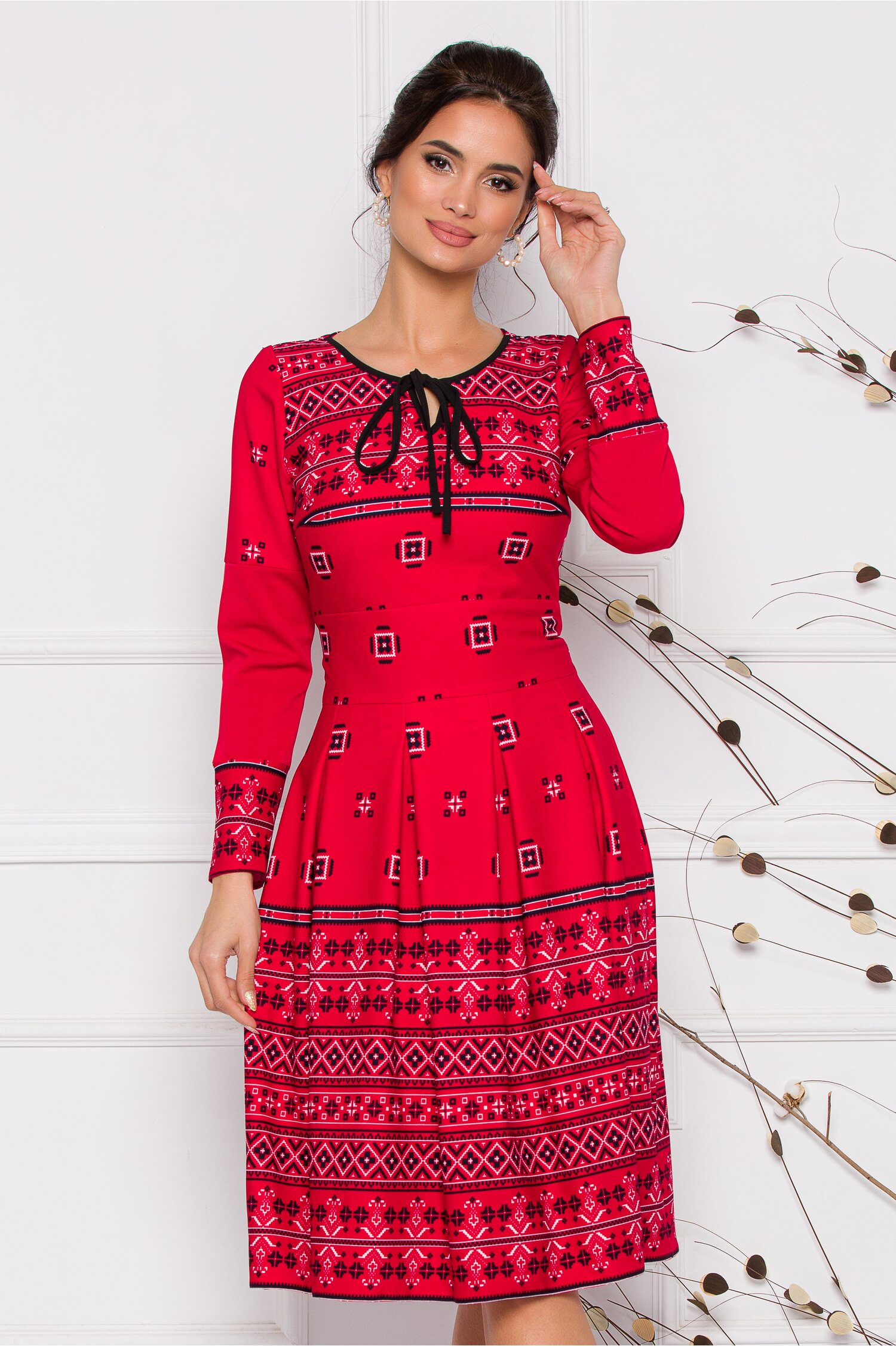 Rochie Moze rosie cu motive traditionale romanesti imagine