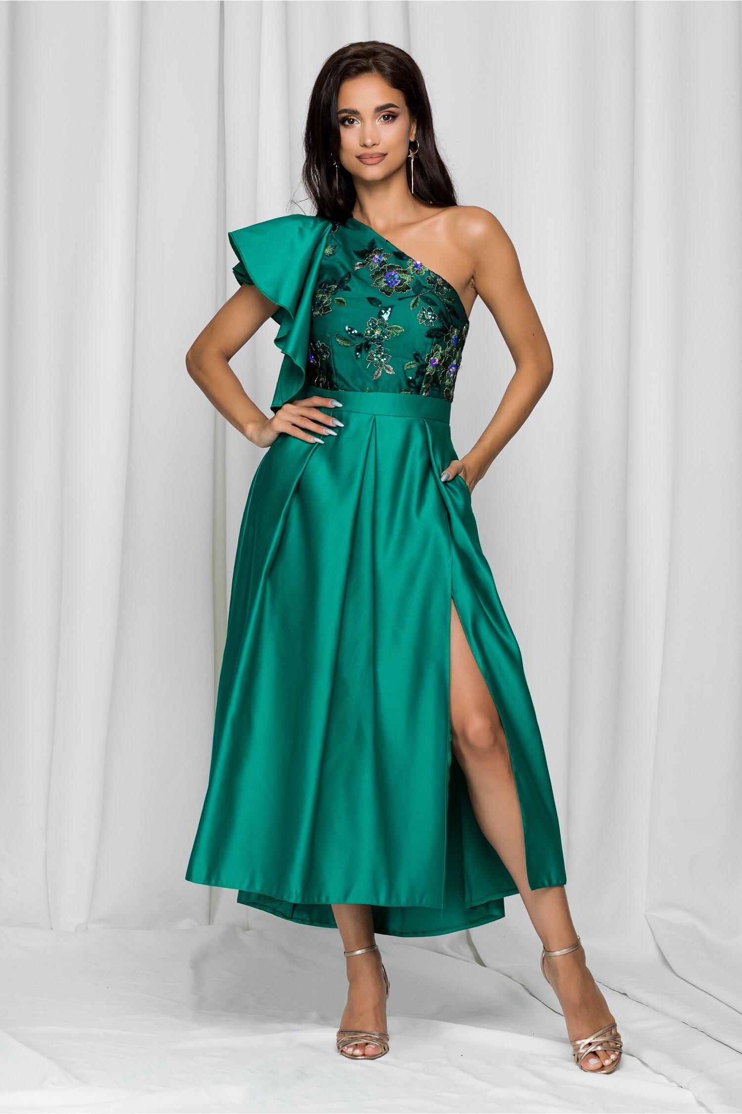 Rochie Moze verde cu paiete pliuri mari pe fusta si un umar gol