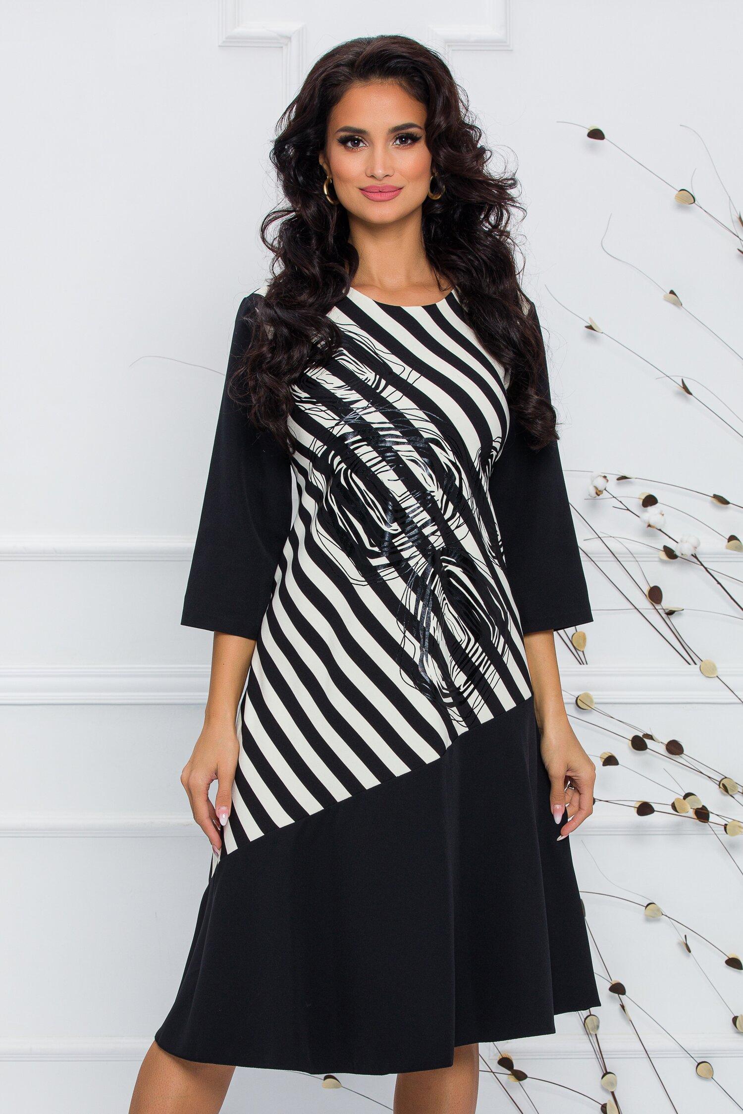 Rochie Nala neagra cu imprimeu in dungi alb-negre si insertii florale