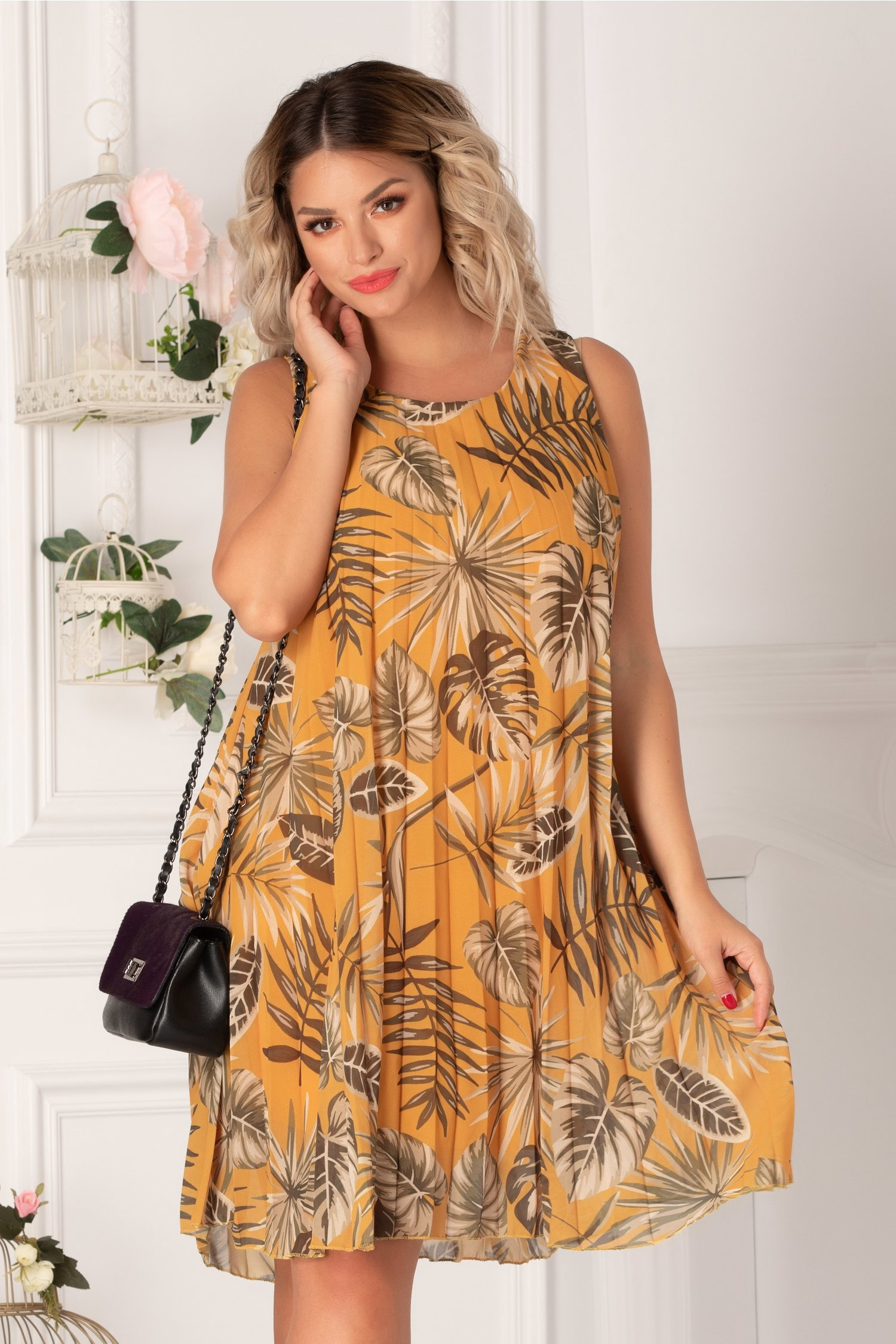 Rochie Patricia plisata galben mustar cu imprimeu exotic
