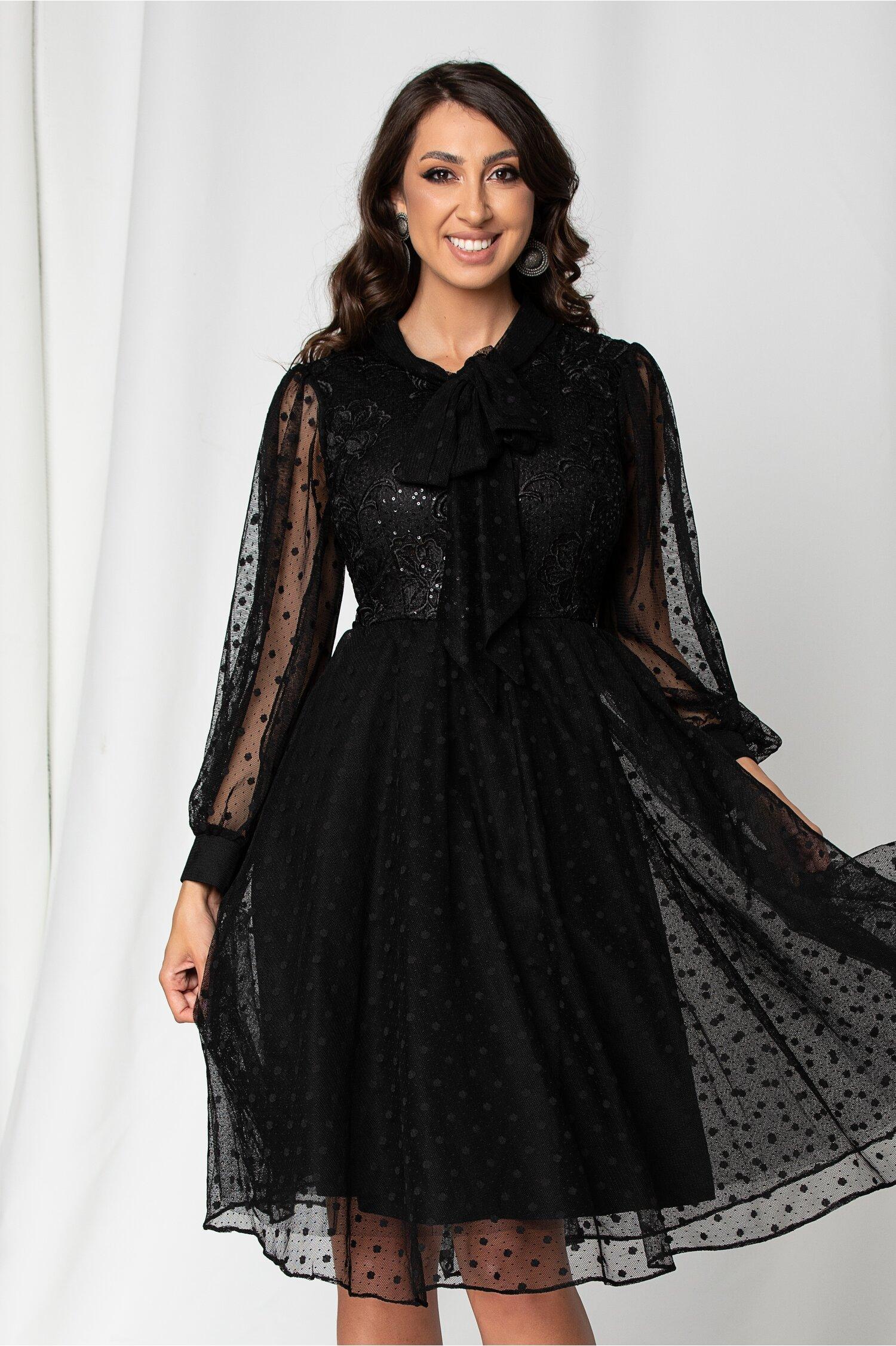 Rochie Ramona neagra accesorizata cu paiete si broderie