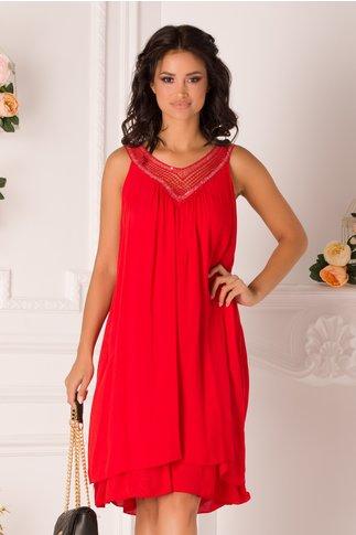 Rochie rosie din vascoza cu broderie si paiete la decolteu