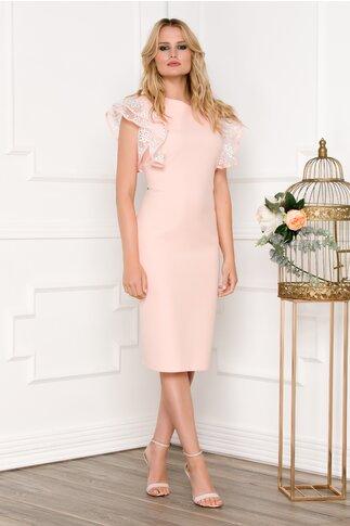Rochie roz cu maneci din volane brodate