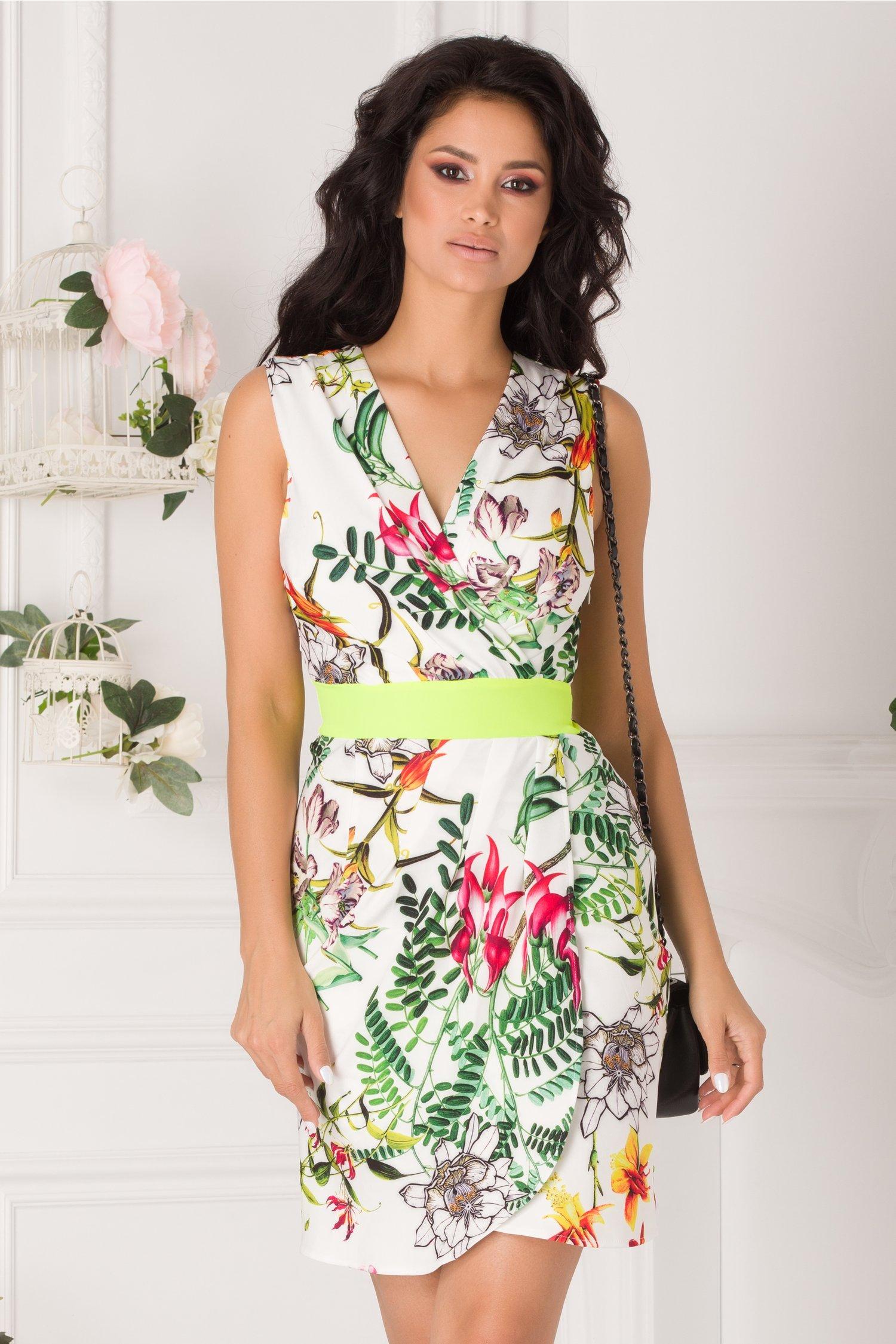 Rochie Sabrina alba cu imprimeuri florale si banda verde neon in talie