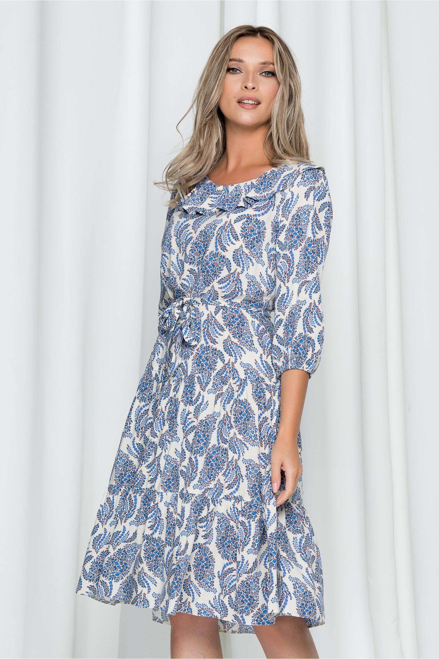 Rochie Selena alba cu imprimeu floral albastru si cordon in talie