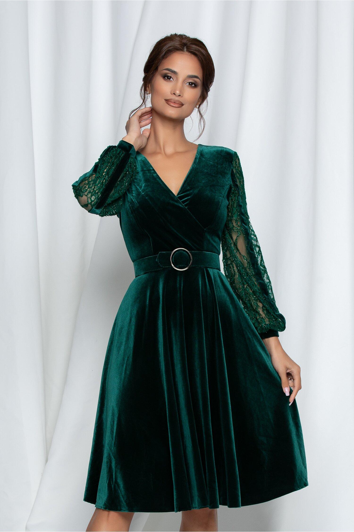 Rochie Sibil verde din catifea cu maneci din dantela