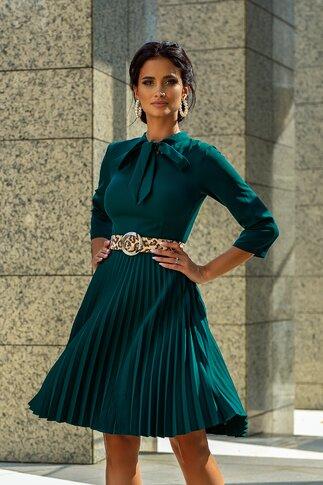 Rochie Simi verde cu fusta plisata si guler tip esarfa