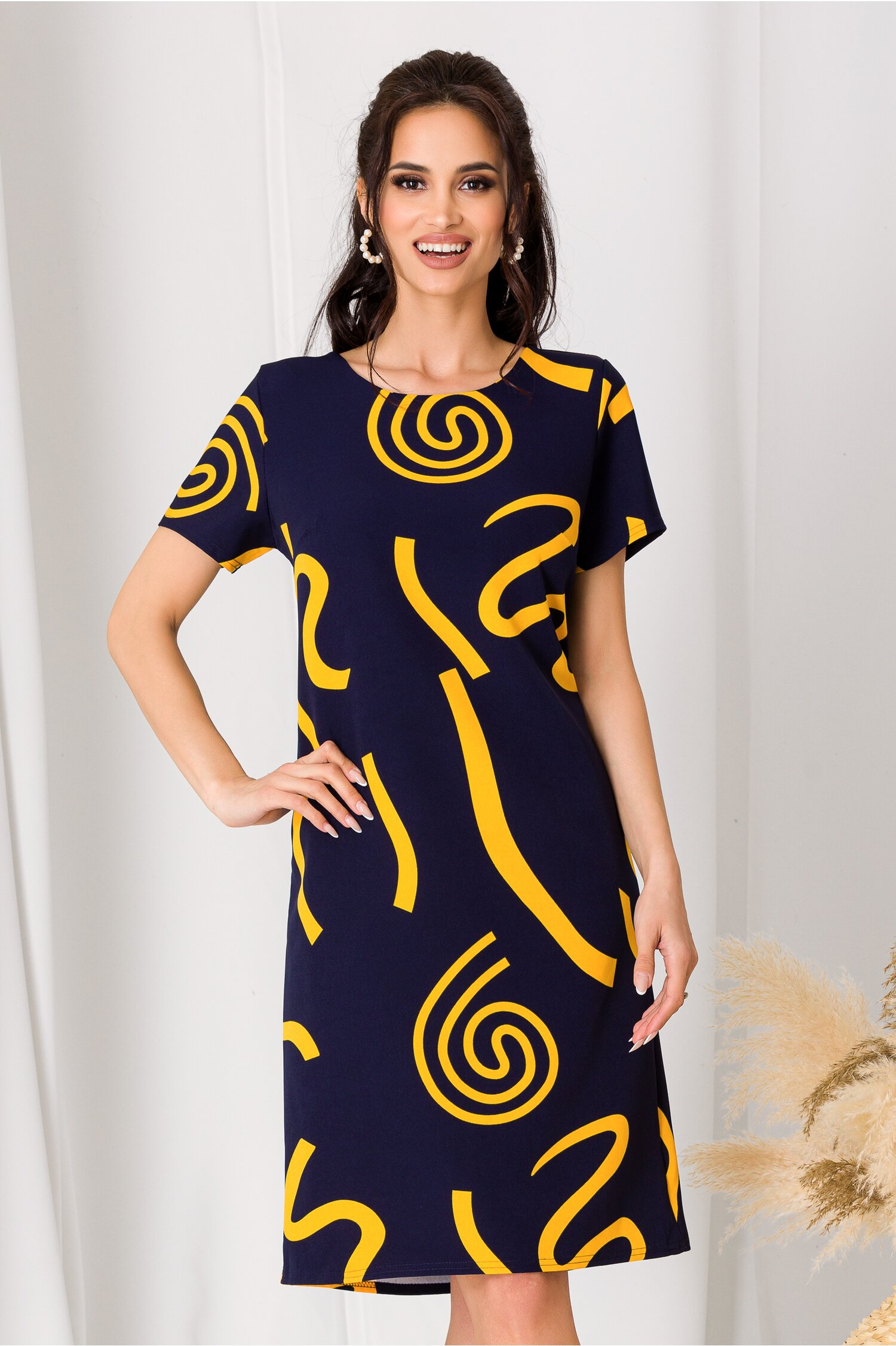 Rochie Simona bleumarin cu imprimeu galben imagine dyfashion.ro 2021