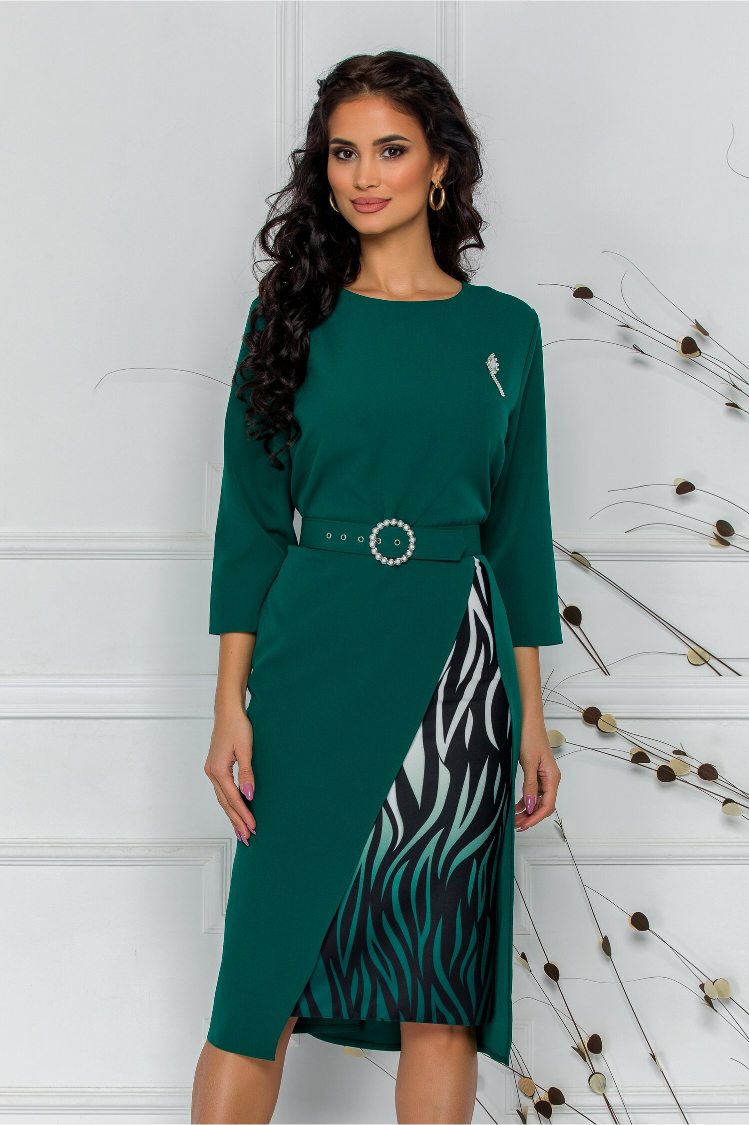 Rochie Simona verde cu imprimeu pe fusta