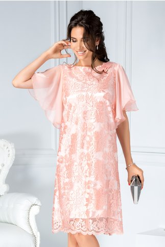 Rochie Sonia roz din dantela croi drept si aplicatii