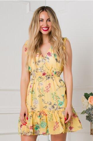 Rochie Sonny galben cu imprimeuri florale si volanase