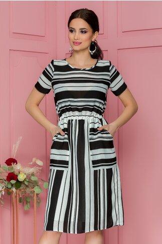 Rochie Stripes alba cu dungi negre de diferite dimensiuni si buzunare functionale