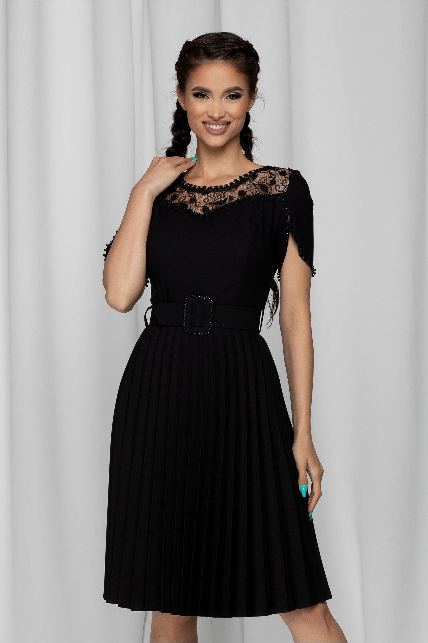 Rochie Tania neagra cu dantela la bust si perlute in nuanta rochiei