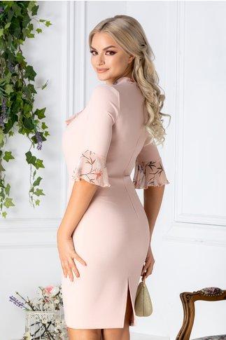 Rochie Tatiana roz cu insertii din voal cu flori