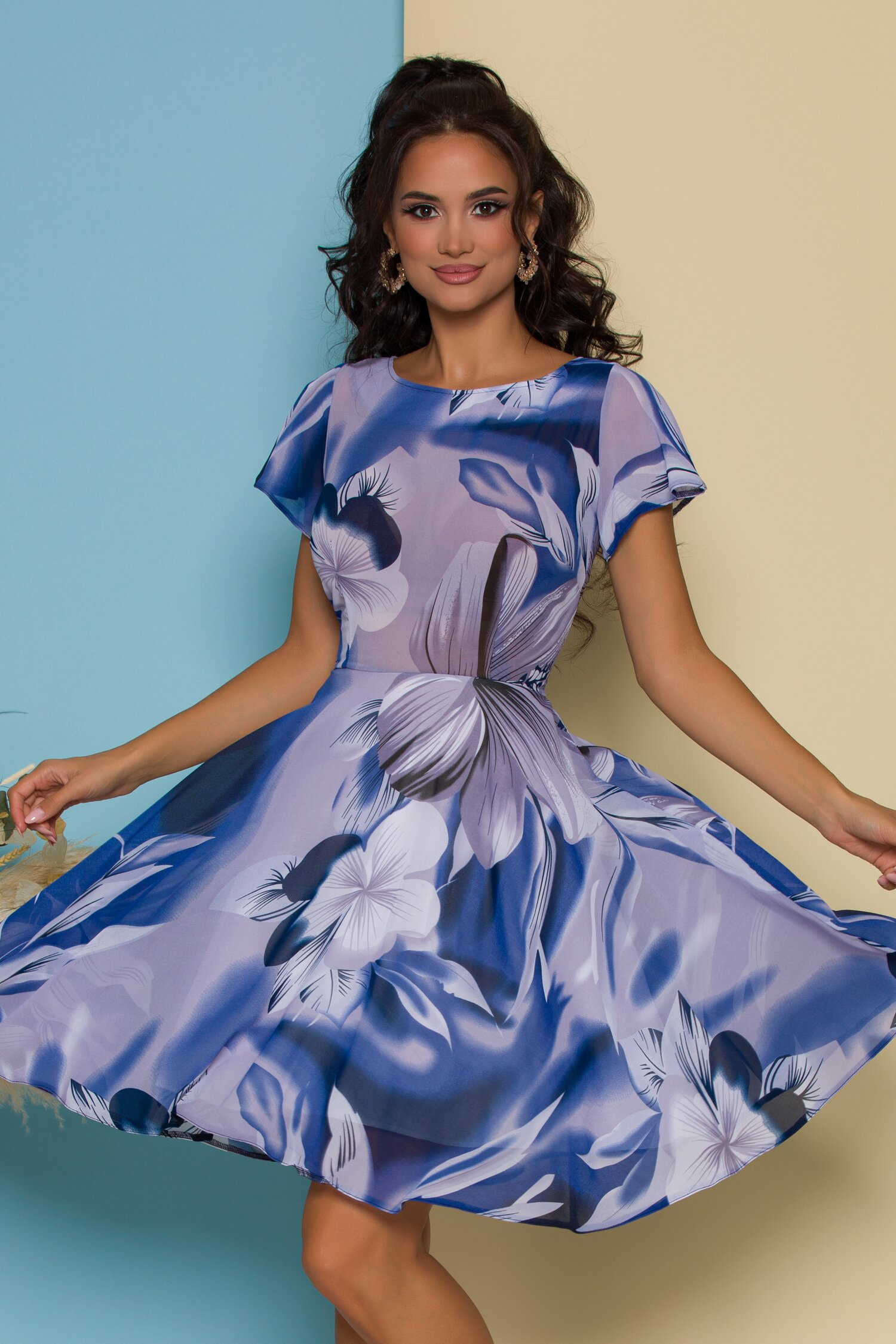 Rochie Tina albastra cu imprimeu floral maxi
