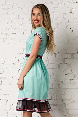 Rochie turcoaz cu tull la baza si benzi tricolore la maneci