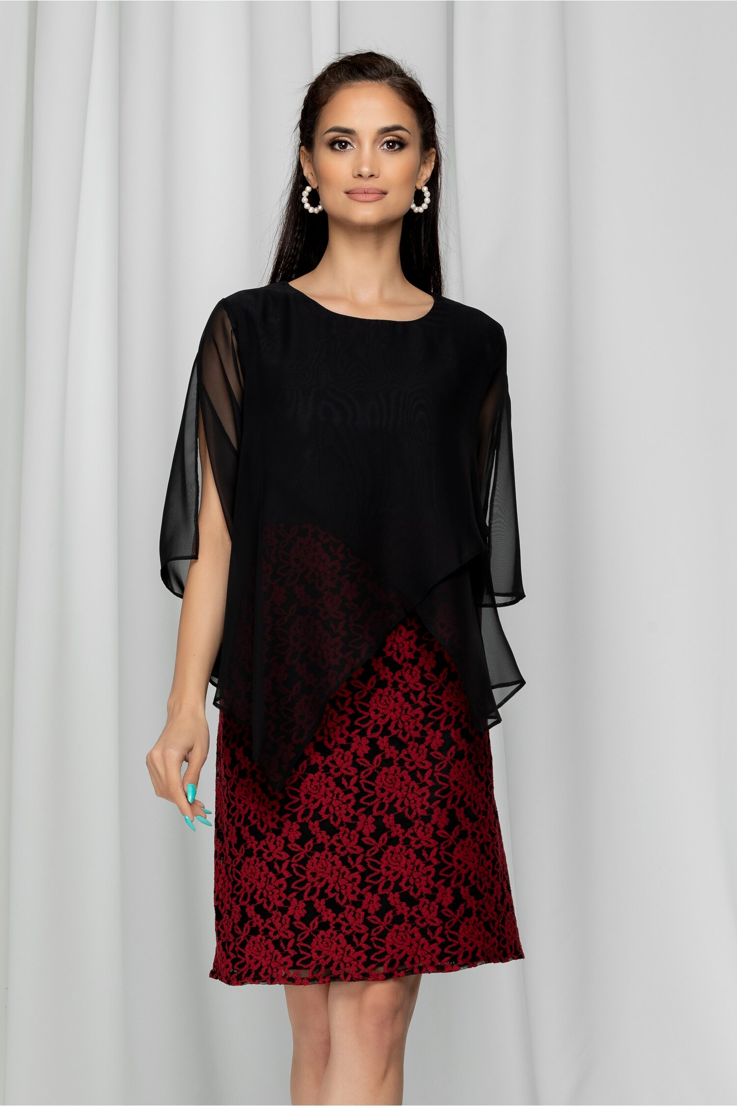 Rochie Valeria neagra vaporoasa cu dantela rosie