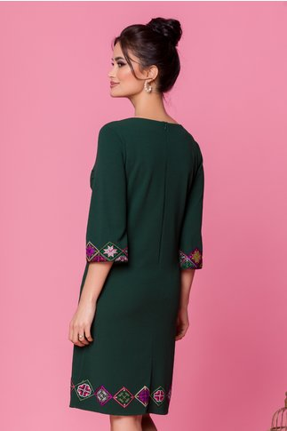 Rochie verde inchis cu maneci trei sferturi brodata traditional
