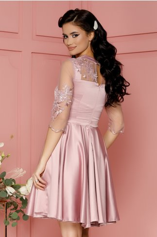 Rochie Xenia roz pudrat din tafta cu broderie florala catifelata