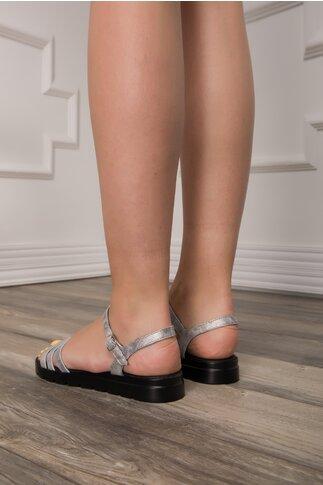 Sandale Adela cu berete argintii si talpa neagra