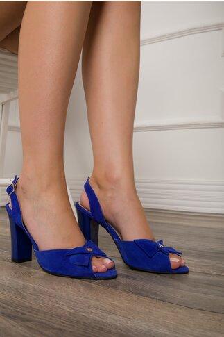 Sandale albastru electric din piele intoarsa cu aplicatie pe varf