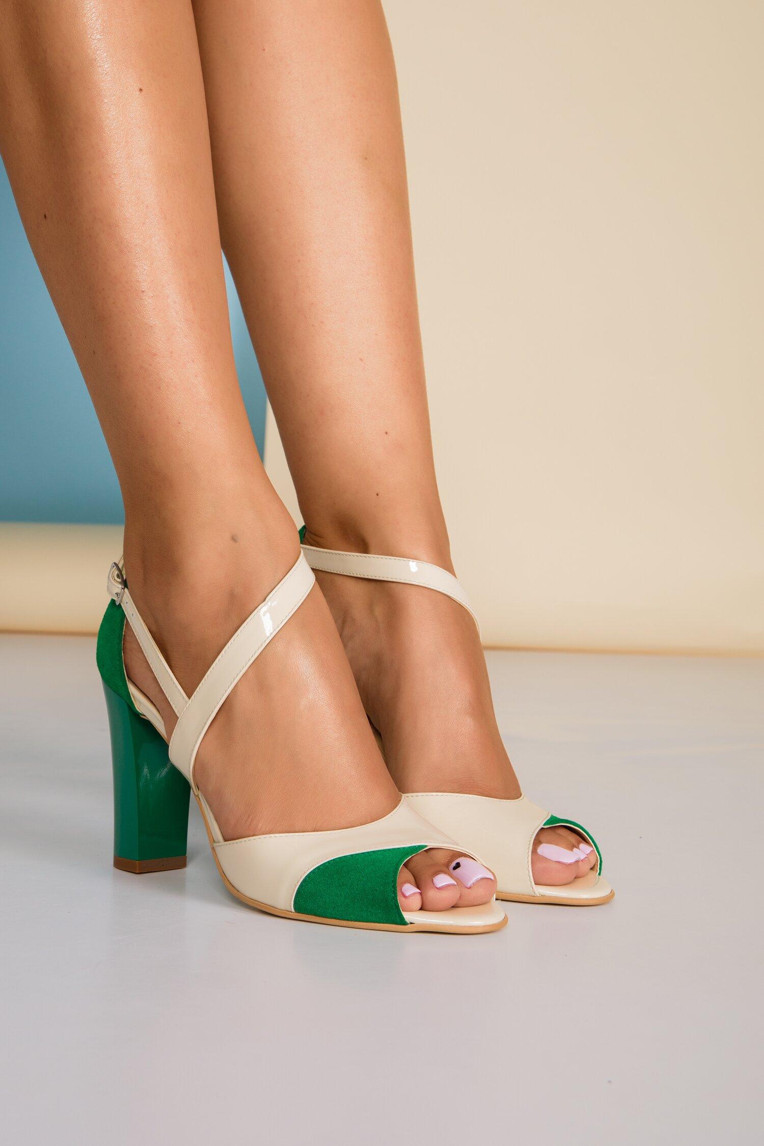 Sandale bej cu detalii verzi imagine