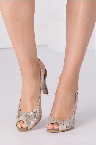 Sandale bej cu imprimeu floral discret si detalii aurii