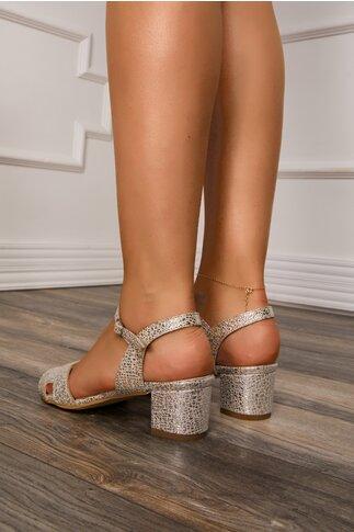 Sandale bej cu insertii stralucitoare si decupaje elegante