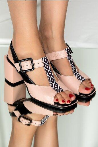 Sandale din piele roz cu detalii negre si toc gros