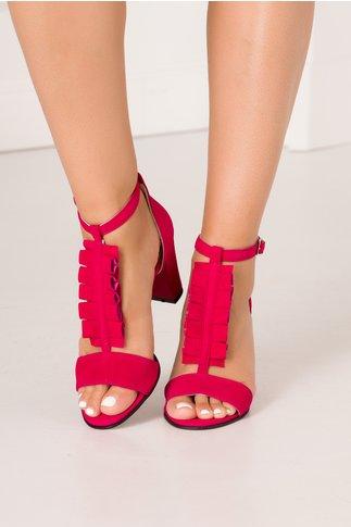 Sandale fucsia din piele intoarsa cu detaliu cu volanase in partea din fata