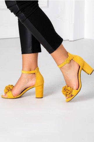Sandale galben mustar cu floare 3D