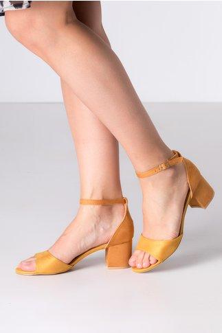 Sandale galben mustar cu maro