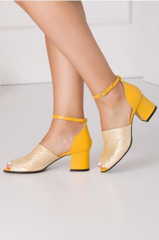 Sandale galbene cu imprimeu argintiu