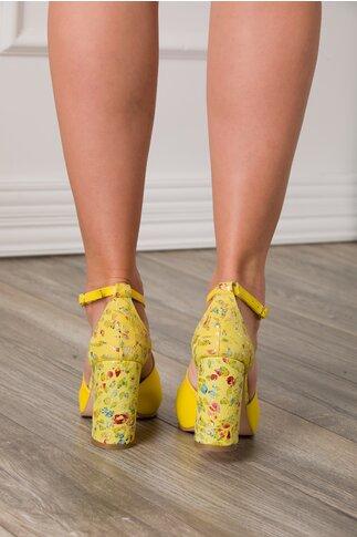 Sandale galbene cu imprimeuri multicolore