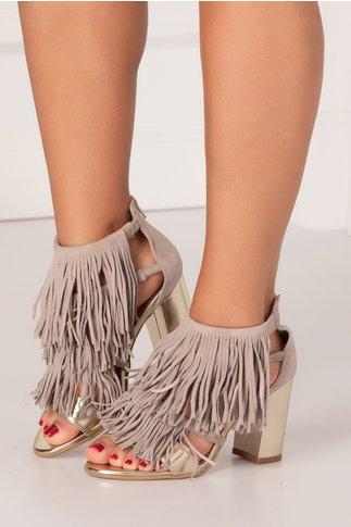 Sandale gri cu franjuri si insertii aurii