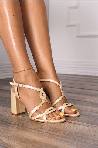 Sandale lemon cu design placut cu decupaje