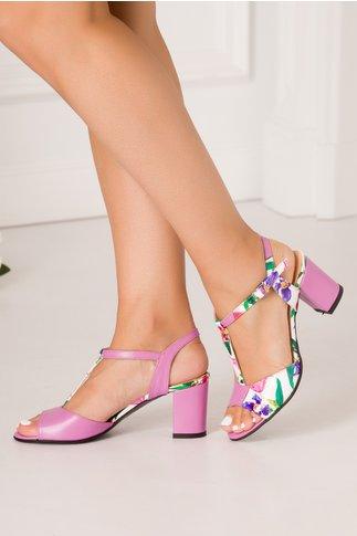 Sandale lila cu imprimeu floral asimetric