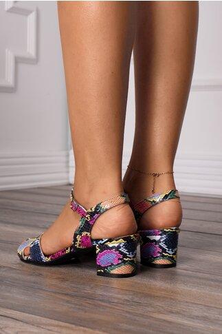 Sandale multicolore si decupaje elegante