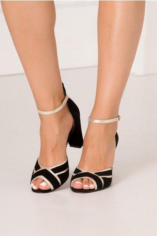 Sandale negre din piele intoarsa cu insertii aurii